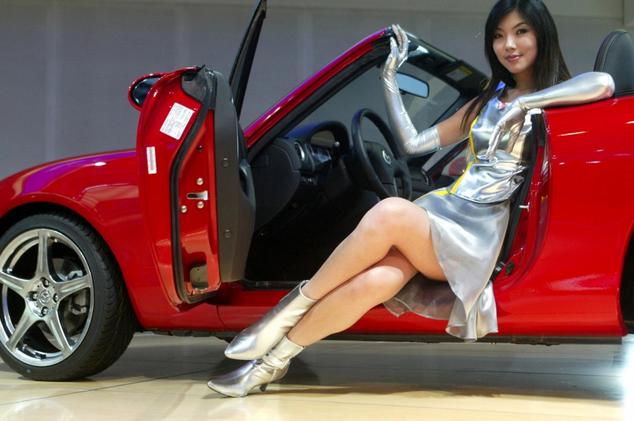 sexy auto show models